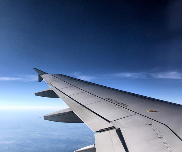 飛行機から見た空の風景